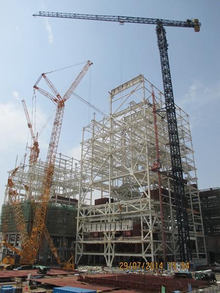 侧煤仓钢煤斗吊装和输煤栈桥钢结构吊装等工程节点